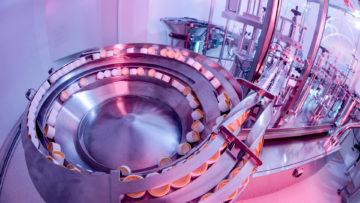<b>Вибробункер ориентирующий для подачи крышек</b><br><span>Автоматическая линия розлива и укупорки: FD 120 (COMAS, Италия)</span>