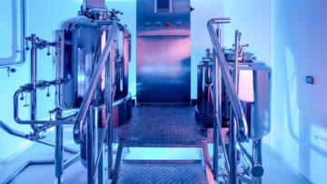 <b>Смеситель-гомогенизатор и плавитель жировой массы</b><br><span>Автоматизированная линия для производства фармацевтических эмульсий и мазей: MZUTS 300 CF (URLIŃSKI, Польша), MZUT-EMB 200 SSCF (URLIŃSKI, Польша)</span>